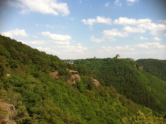 In der Ferne unser Ziel: Burg Nideggen