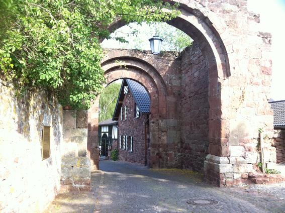 Tordurchfahrt bei Burg Nideggen